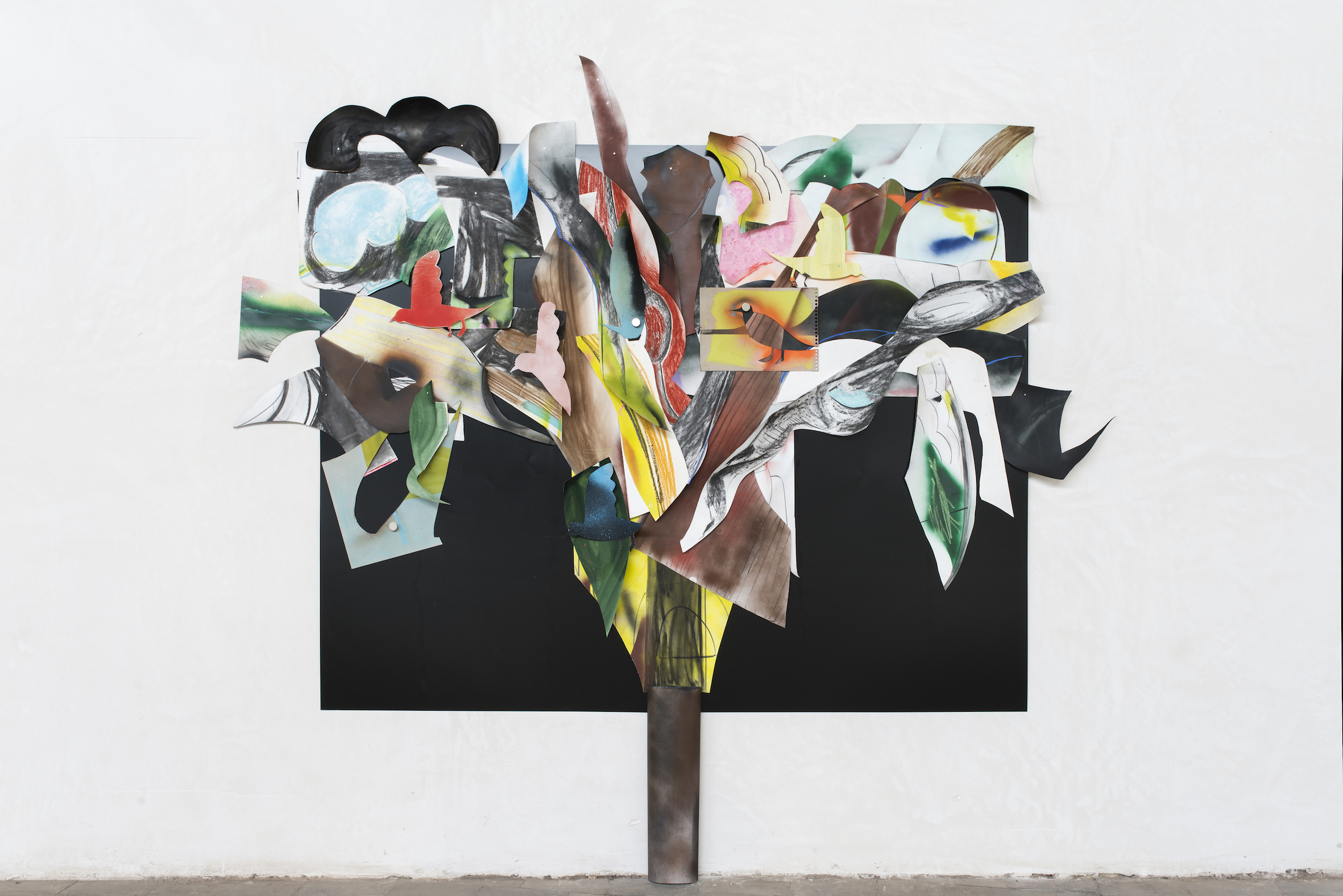 Arbre, 2017, 200:250 cm, oil, chalk, charcoal, spraypaint on canvas, boards and papers, magnets on black metal